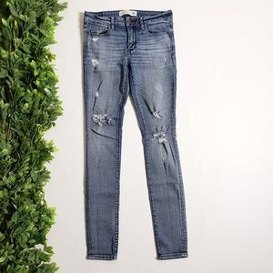 ABERCROMBIE & FITCH Super Skinny Distressed Jeans